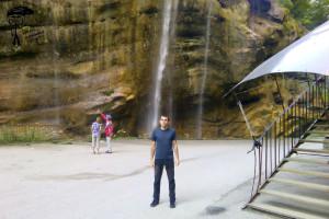 В пять утра водопады можно наблюдать без толпы