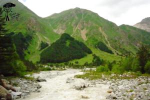 Вид с моста в сторону долины реки