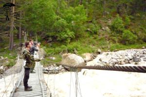 Подвесной мост по дороге к нарзану