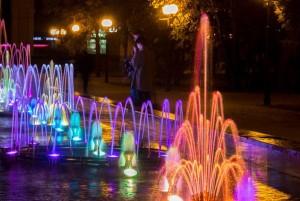 свето-музыкальный фонтан