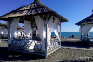 Бунгало на пляже Мандарин в Адлере