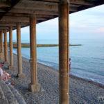 Крайний пляж в Адлере
