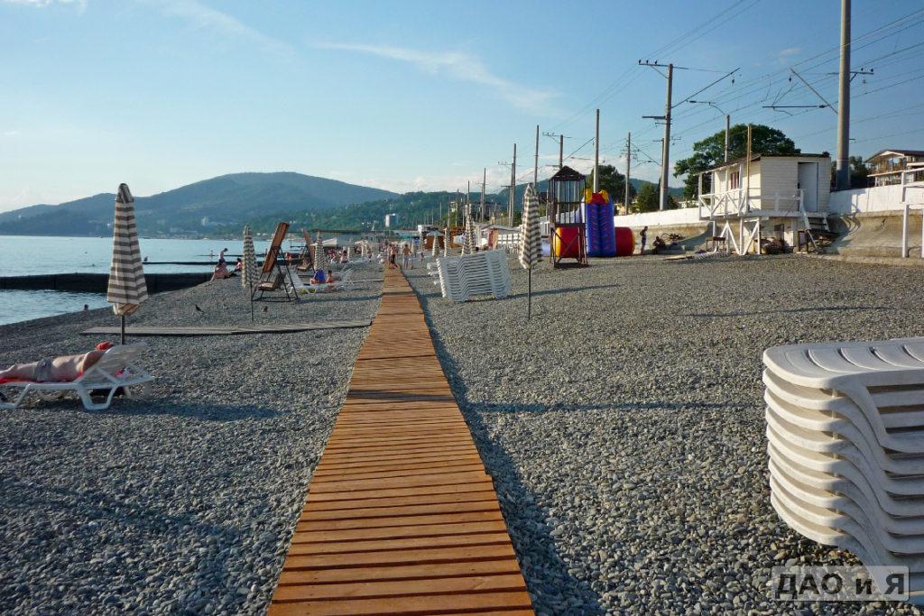 Пляж Чкалова в сторону переулка Прибрежный