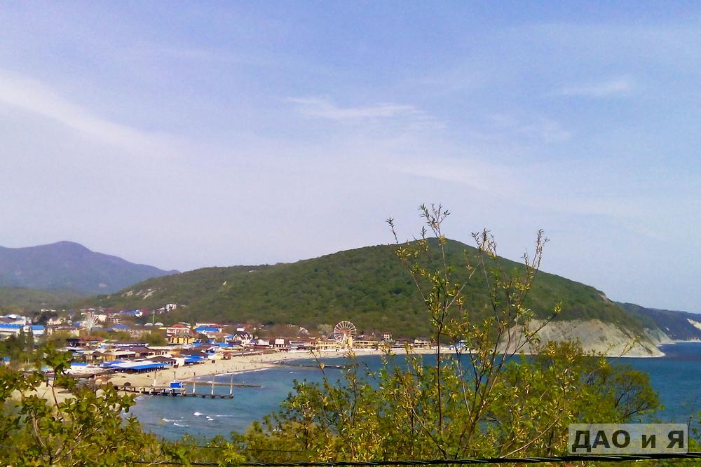 Вид на пляж Архипо-Осиповки